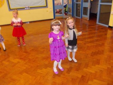 Christmas party fun | Windy Nook Primary School