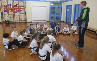 Newcastle Falcons visit Year 3 and 4