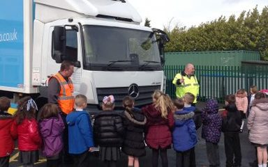 Owls learn how to be road safety aware