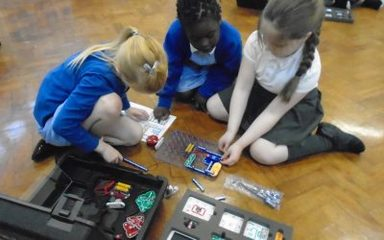 Snap Circuits in LKS2
