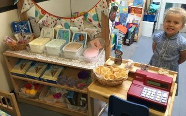 'Real' ice cream in our role play ice cream parlour!